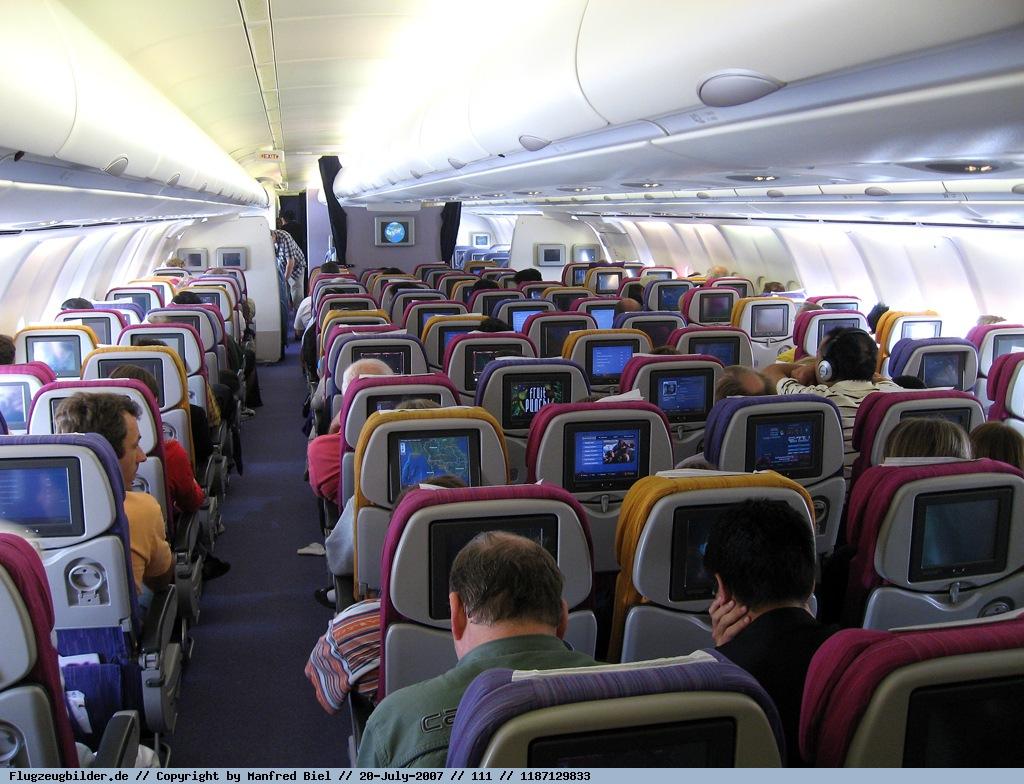 Foto Thai Airways Airbus A340 642 Hs Tna