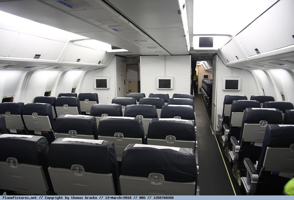 Foto TUI Airlines Belgium Boeing 767-341(ER) OO-TUC